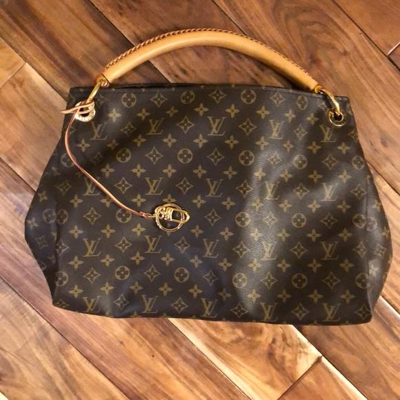 79c1ef2c653 Louis Vuitton Handbags - Authentic Louis Vuitton Artsy MM